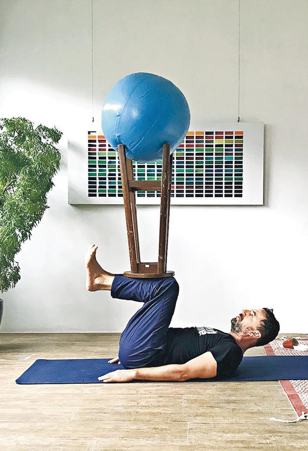 【藝術無疆界】身體變家具 探索創意 雕塑無極限