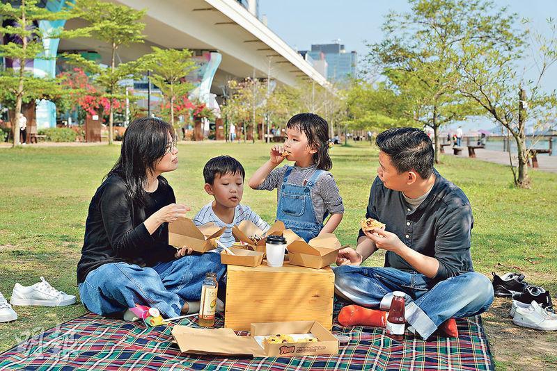 【限聚令】海濱草地 鬆一鬆曬太陽 城市野餐歎超班外賣