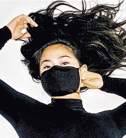 調整生產線 捐款支援 時尚口罩抗疫戰