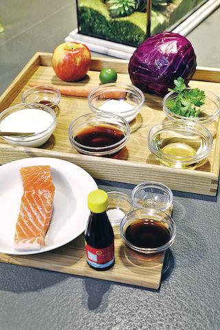 【蜂蜜入饌】食物造型師教煮輕食:燕麥脆乳酪杯、東南亞風味三文魚沙律
