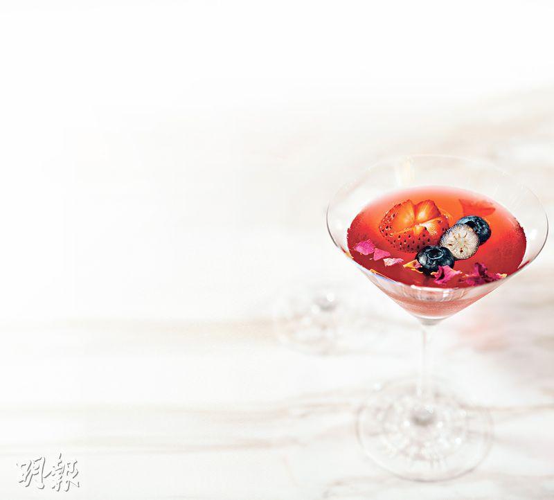 【甜品食譜】海鹽焦糖藍螺旋藻香蕉牛奶 x 洛神花玫瑰野莓果凍