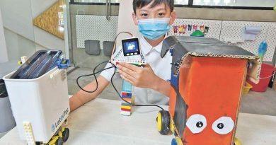小發明家:小六生研發AI垃圾桶 自動走近收口罩