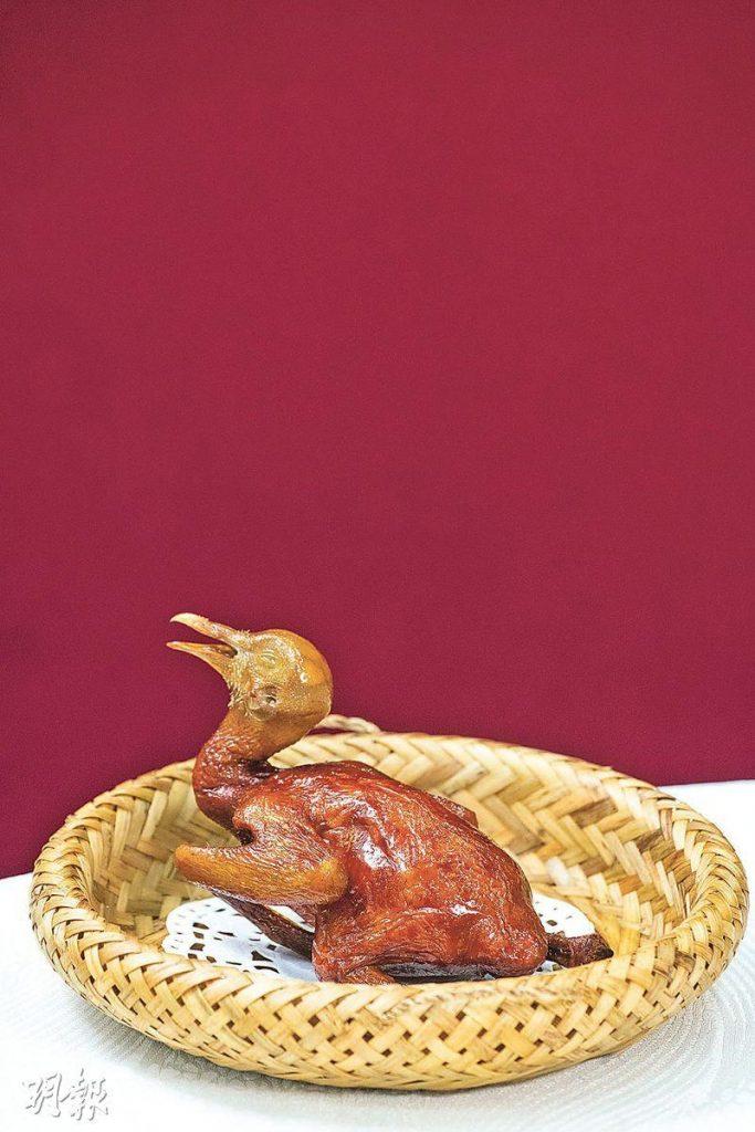 【食神歸位!】星爺《食神》飲食顧問 西營盤開新酒樓 戲棚粥、秘製乳鴿重出江湖
