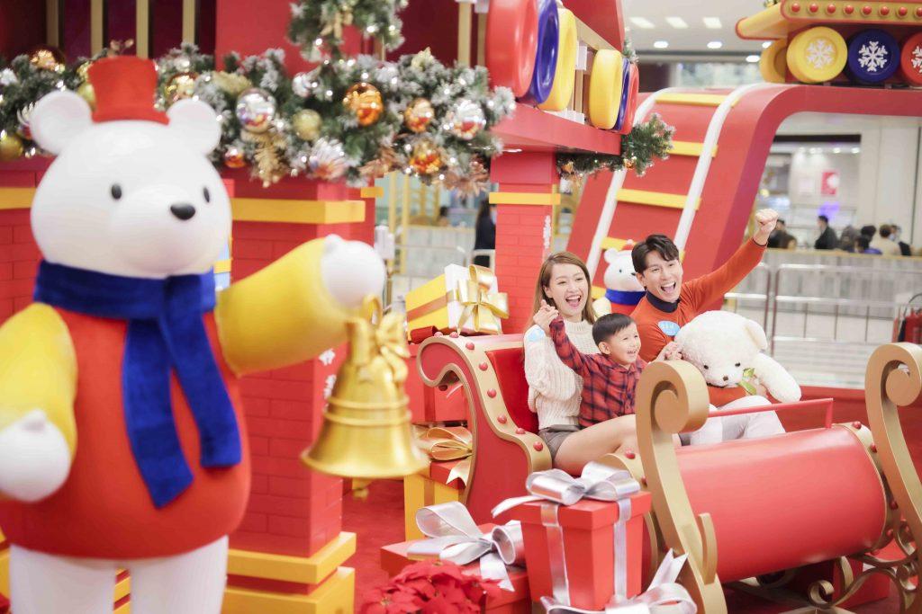 青衣城聖誕飄雪樂園|本地首創互動光樂藝術裝置 特設6米高旋轉玩具城堡 過百隻毛毛熊組打卡牆 打造聖誕夢幻樂園