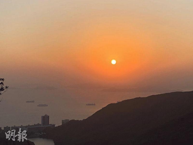 【山頂一日遊】自駕遊飽覽無敵靚景 黃昏鹹蛋黃日落下散步打卡一流