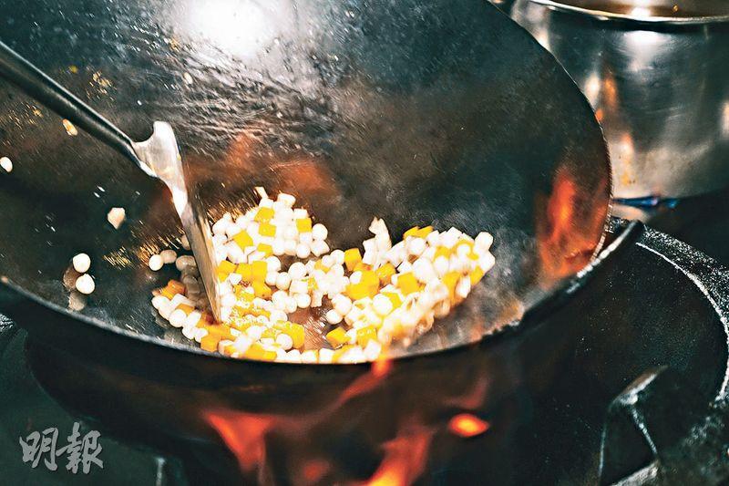 跟彤福軒中菜行政總廚偷師!學做黑松露雞頭米釀啤梨 矜貴驅燥滋潤解渴