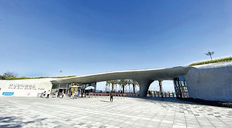 【遊走大灣區】沿着深圳地鐵8號線 看鹽田最長最美海景 大小梅沙海濱棧道
