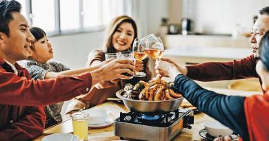 【2021農曆新年】美酒美食配搭攻略 蘿蔔糕配橘酒 乳豬、盆菜同咩酒最夾?