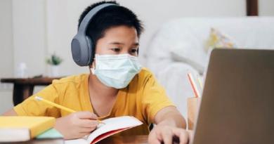 升中自行分配學位展開 疫情下做好面試準備 校長提醒網上面試虛擬背景非必要 注意坐姿衣著