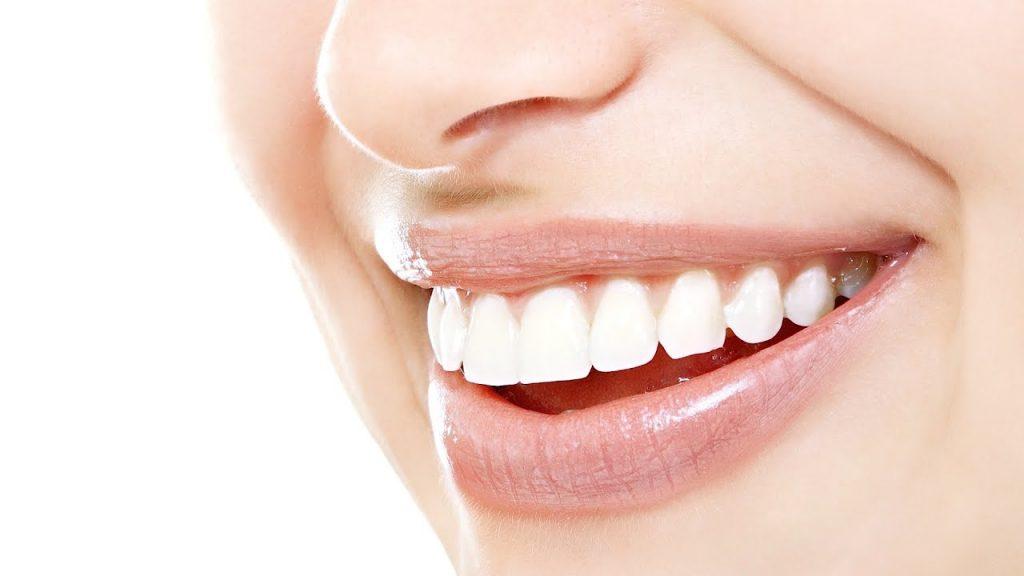 牙齒變黃、蛀牙問題 怎辦? 牙醫利用數碼技術 打造自信笑容