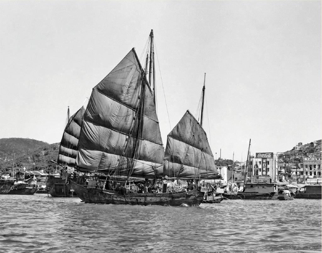 巡迴攝影展|細味50年代香江、新加坡 黑白照中看雙城面貌變遷(內附展覽詳情)