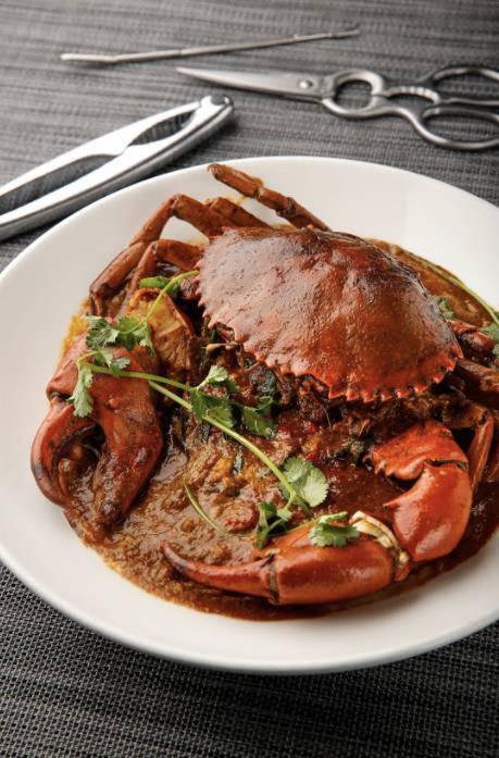新加坡辣椒蟹Singapore Style Chilli Crab(HK$298)以酸甜帶辣的濃郁醬汁與肉蟹炒香,使鮮甜肥美的蟹肉滿滿被醬汁包裹著,使其更飽滿多汁,讓人每一口都唇齒留香。