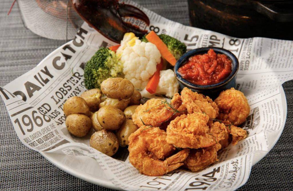 炸得金黃香口的招牌炸蝦Walt's Fried Shrimp(HK$198)則配上薯菜,是美國Red Lobster最受歡迎的美食之一。