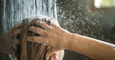 洗頭小事大學問!洗前準備、水溫、過水正確步驟話你知!(網上圖片)