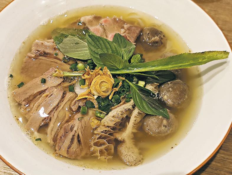 越式小店、西餐廳 X 麥華章 假期一家歎舒心美食 食盡法式風味北越菜 鬼馬西餐Dirty Skillet