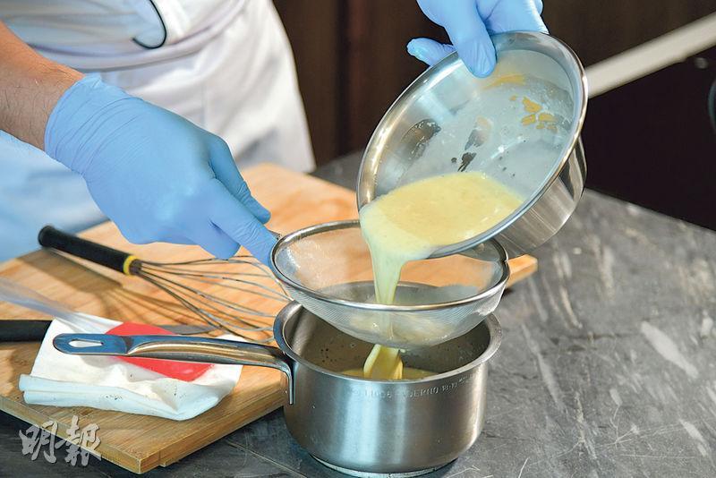 【焦糖燉蛋食譜】點先可以做到「上脆下滑」? 大廚教你crème brûlée滑嫩秘訣