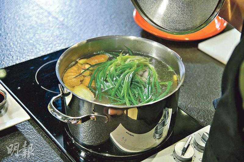 【SON級廚房】自製蒜泥白肉 爽口彈牙不油膩 必選玻璃肉?