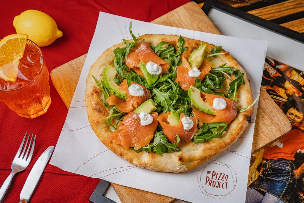 盛夏海鮮瘋潮!The Pizza Project推出期間限定全新海鮮薄餅、獨家前菜 8月27-9月12中環、灣仔有得食!