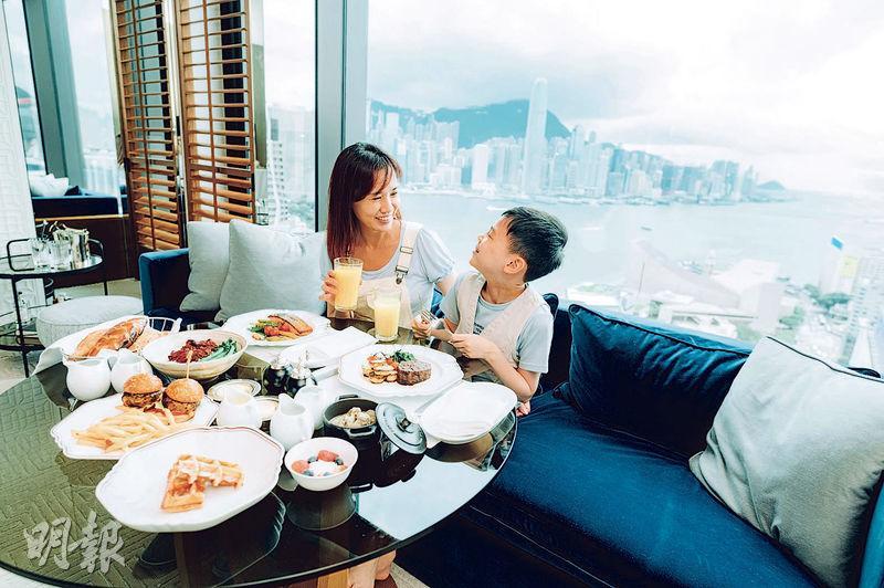 親子Staycation丨瑰麗酒店推4日3夜家庭住宿套餐 下廚製點心、壽司 學跳森巴舞 跟傅家俊學桌球