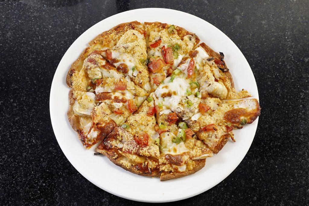 「香港的首個薄餅Pizza 1963」是用自製模具製造的,是全港早期的意式Pizza,現時仍然用當年的模具及配方焗製。