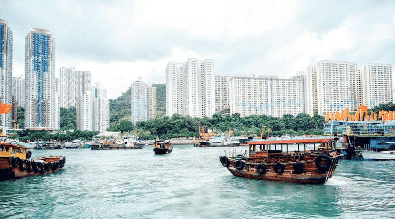 遊走香港最南端丨香港仔~蒲台島~鴨脷洲 行勻巫氏古宅、南角嘴燈塔、風之塔公園